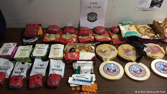جاسازی کوکائین وسط مواد غذایی مجموعه بستههای مواد غذایی که یک تبعه کشوپر پرو آنها با هواپیما به نیویورک منتقل کرده بود. داخل همه این مواد غذایی کوکائین جاسازی شده است.