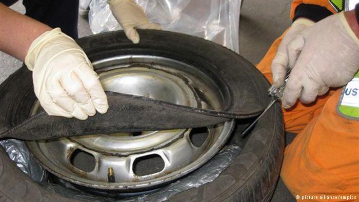 جاسازی ماریجوآنا در لاستیک یدکی خودرو این محموله مواد مخدر توسط سگ موادیاب پلیس در ایرلند کشف شد.