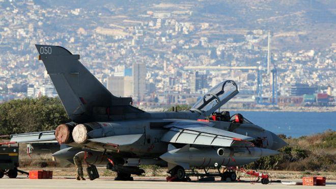 151203011154_sp_syria_uk_strikes_tornado_624x351_afp_nocredit.jpg